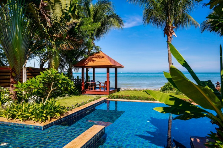 S701: BEACHFRONT KOH SAMUI VILLA FOR SALE & RENT