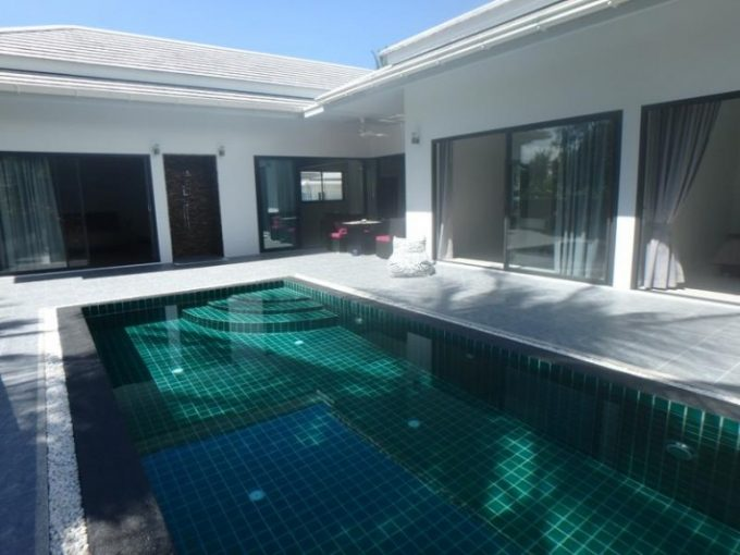S1252: KOH SAMUI VILLA FOR SALE 200 METERS TO THE BEACH