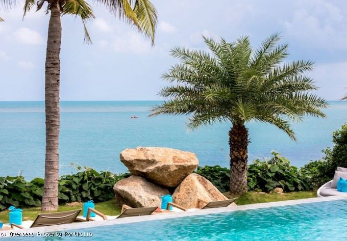 S1727: EXCLUSIVE BEACHFRONT KOH SAMUI VILLA FOR SALE