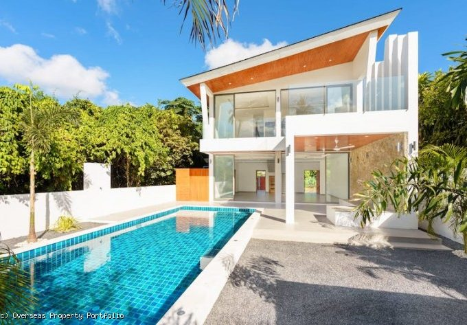 S1817: CONTEMPORARY KOH SAMUI VILLA IN GREAT LOCATION FOR SALE