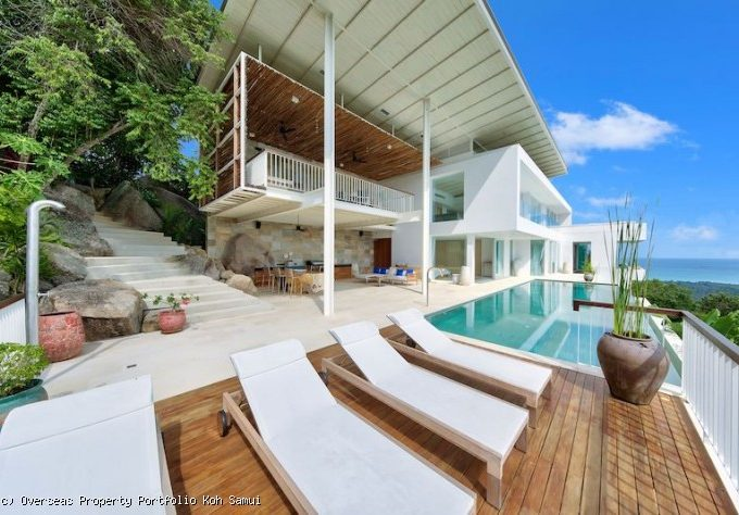S1832: EXPANSIVE SEA VIEW KOH SAMUI VILLA FOR SALE